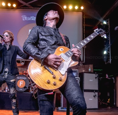 Buckcherry-034